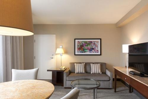 DoubleTree Suites by Hilton Houston by the Galleria photo 34