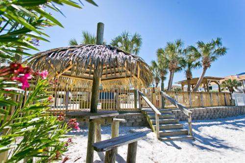 Travelodge By Wyndham Pensacola Beach Hotel