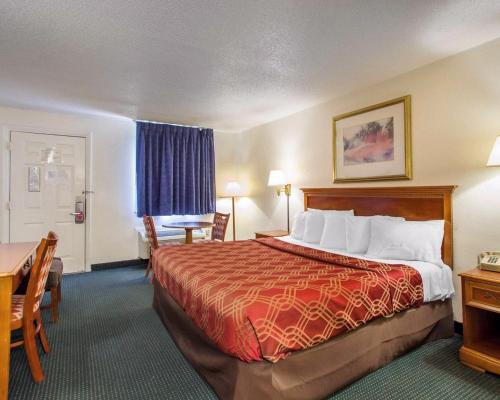 Econo Lodge Somers Point - Somers Point, NJ 08244