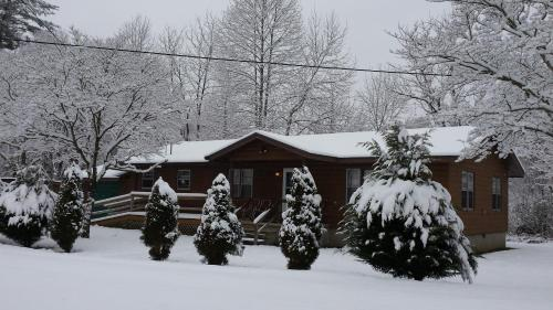 Two Rivers Lodge Photo