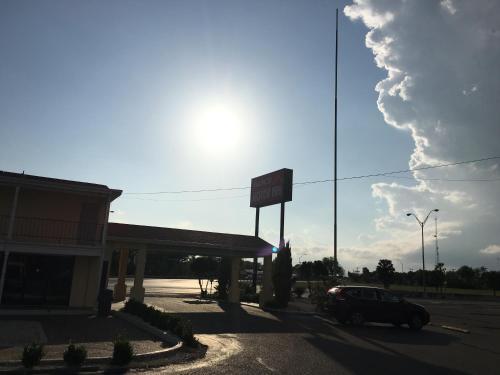 Alice Motor Inn - Alice, TX 78332