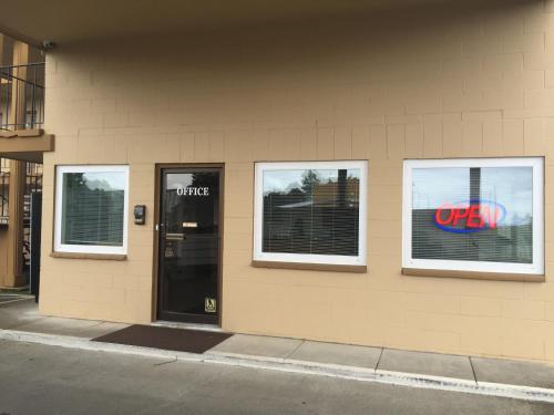 Northwoods Motel - Blaine, WA 98230