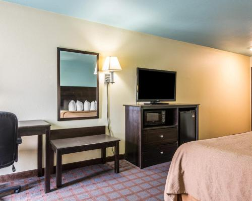 Quality Inn Blue Springs Photo