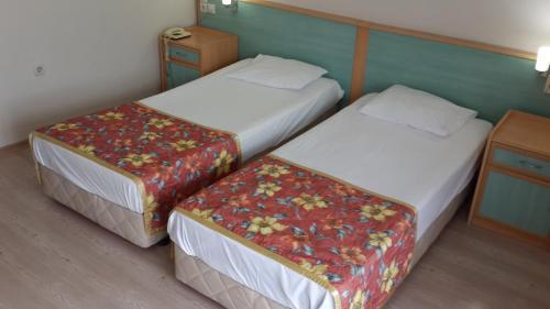 Birlik Hotel, Kaynaklar