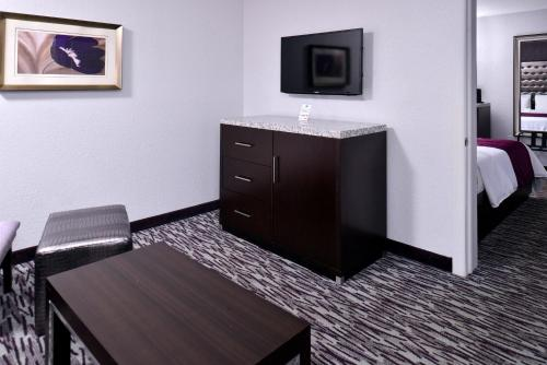 Clarion Inn & Suites Universal Studios Area photo 30
