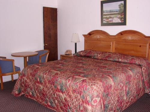Red Carpet Inn & Suites Morgantown - Morgantown, PA 19543
