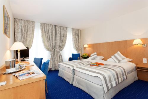 Atlantic Hotel photo 2