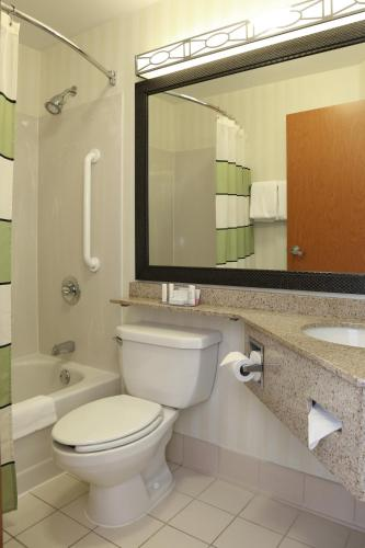Quality Inn Cranberry Township Photo