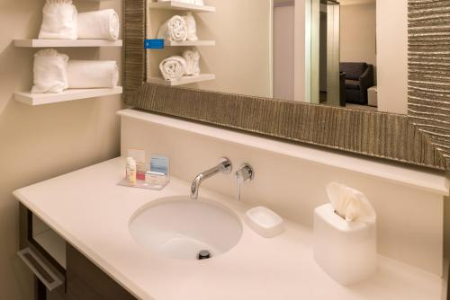 Hampton Inn & Suites Orlando-East UCF photo 6