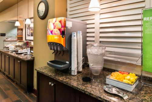 Hampton Inn & Suites Orlando-East UCF photo 13