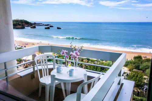 R sidence victoria surf h tel 21 ter avenue edouard vii - Hotel de la plage biarritz 3 esplanade du port vieux ...