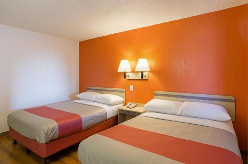 Motel 6 Denver Central - Federal Boulevard - Denver, CO 80221