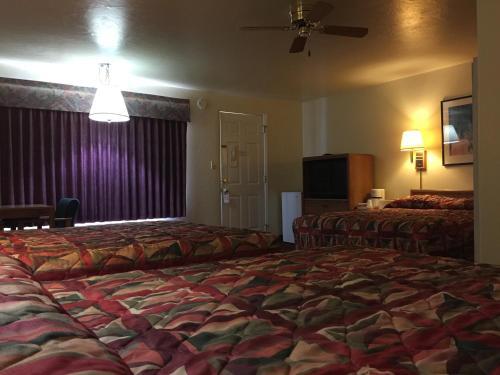 Kiva Motel Photo
