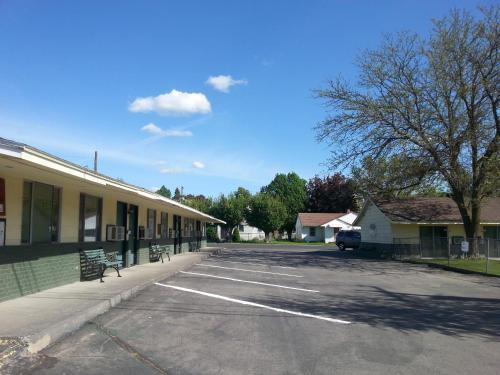 Colwell Motor Inn - Ritzville, WA 99169