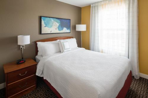 TownePlace Suites Los Angeles LAX Manhattan Beach Photo