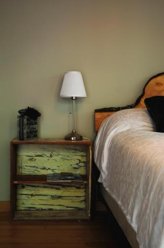 Henderson Beach Guest House - Sunshine Coast, BC V0N 2W2