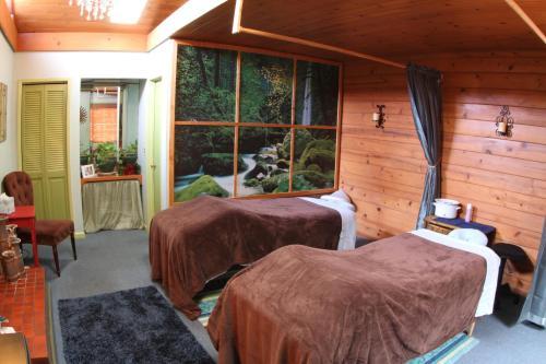 Cambria Pines Lodge Photo