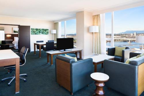 The Westin Wall Centre Vancouver Airport Photo