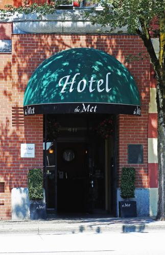 The Met Hotel - New Westminster, BC V3L 1A9