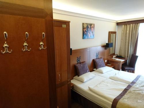 Carlton Hotel Budapest photo 68