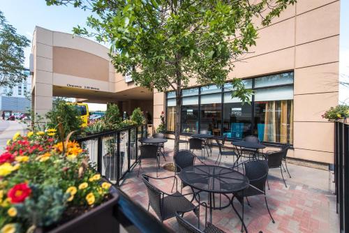 Hilton Garden Inn Saskatoon Downtown Photo