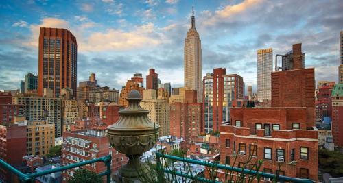 303 Lexington Avenue, Murray Hill, New York, NY 10016, USA.