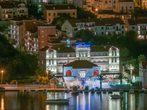 Lapadska obala 37, Dubrovnik, 20 000, Croatia.