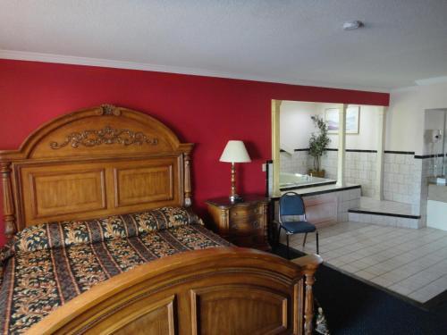 Red Carpet Inn Norwalk