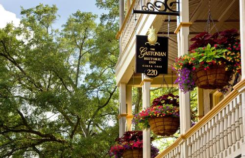 The Gastonian-adult Only - Savannah, GA 31401