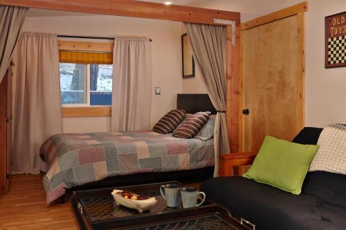 Antler Lodge Photo