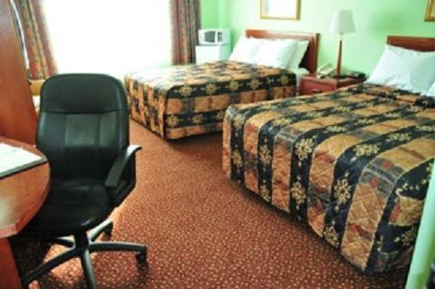 Red Carpet Inn And Suites - Sudbury/lively - Sudbury, ON P3Y1M7