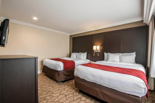 Comfort Suites San Clemente Beach Photo