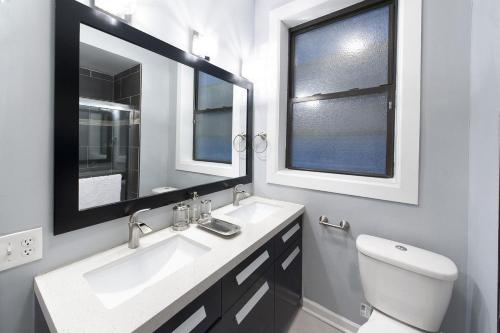 Two-bedroom On S Maryland Avenue Apt 1 - Chicago, IL 60615