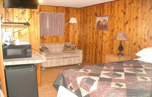 Calamity Peak Lodge - Custer, SD 57730