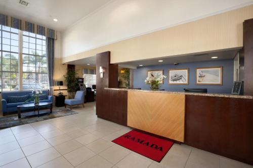 Ramada Inn and Suites Costa Mesa/Newport Beach Photo