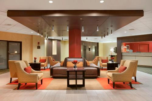 DoubleTree by Hilton Bradley International Airport Photo
