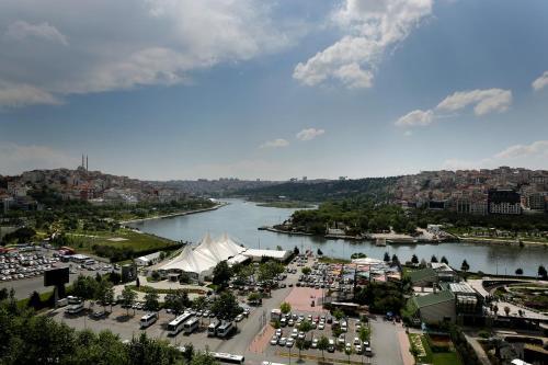 Istanbul Clarion Hotel Golden Horn ulaşım