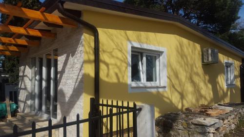 Adriatic Houses Borse