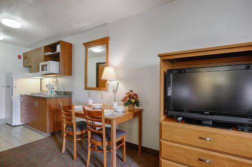 Home-towne Suites O'fallon