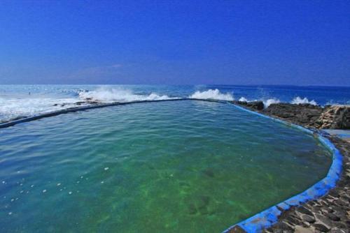 Kona Isle B8 Photo