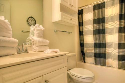 Magnolia Place 201-4639 Condo Photo