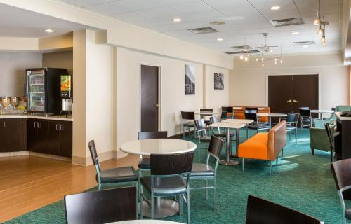 Springhill Suites By Marriott Louisville Hurstbourne/north - Louisville, KY 40223