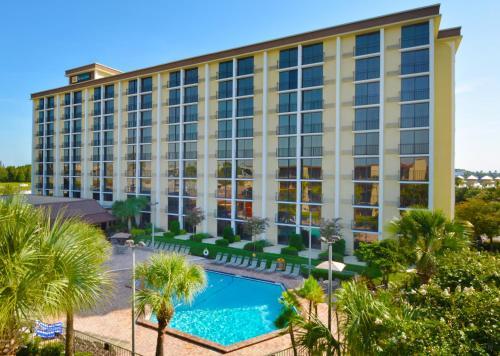 Rosen Inn Closest to Universal, Orlando,Disney | BedroomVillas.com