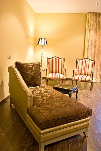 Special Gold Double Room Villa Nazules Hípica Spa 5