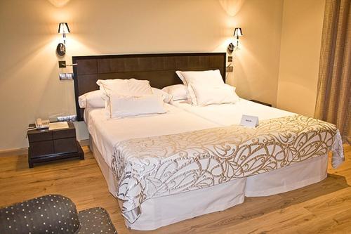 Superior Double Room Villa Nazules Hípica Spa 8