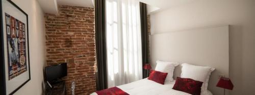 1bis Rue Cantegril, 31000 Toulouse, France.