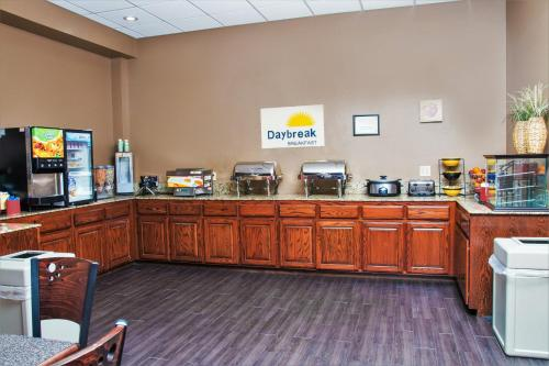 Days Inn Joplin Photo