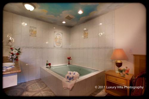 The Palace Inn - Oxnard, CA 93030