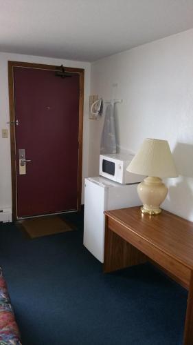 Rodeway Inn New Hampton - New Hampton, IA 50659