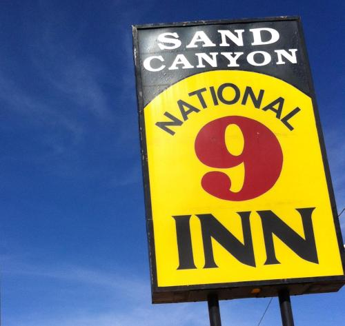 National 9 Inn Sand Canyon Photo